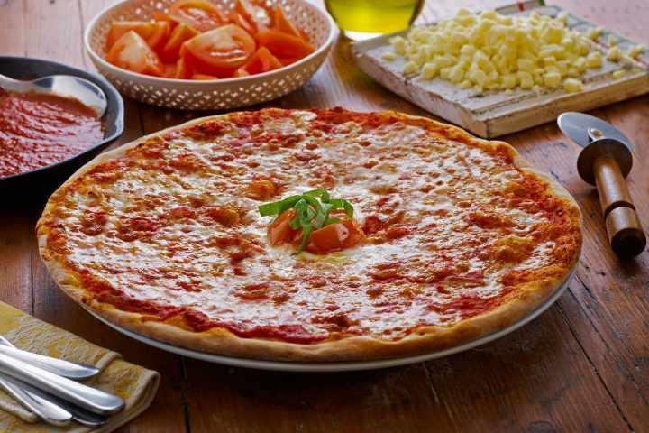 Dolce italia Vegan margherita pizza 10