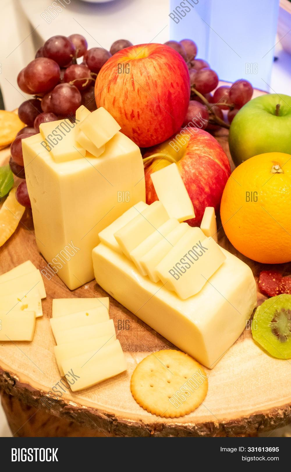 Edam Cheese Slab 200g