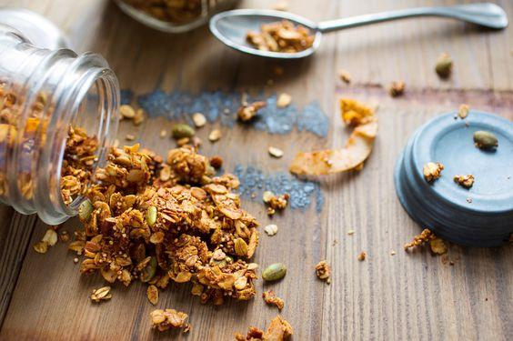 Homemade Nutty Quinoa Granola by Dips & Spreads 600g