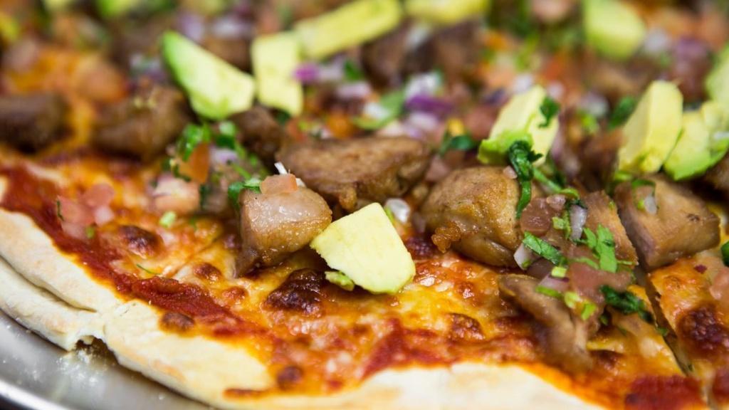 Chifrijo Pizza