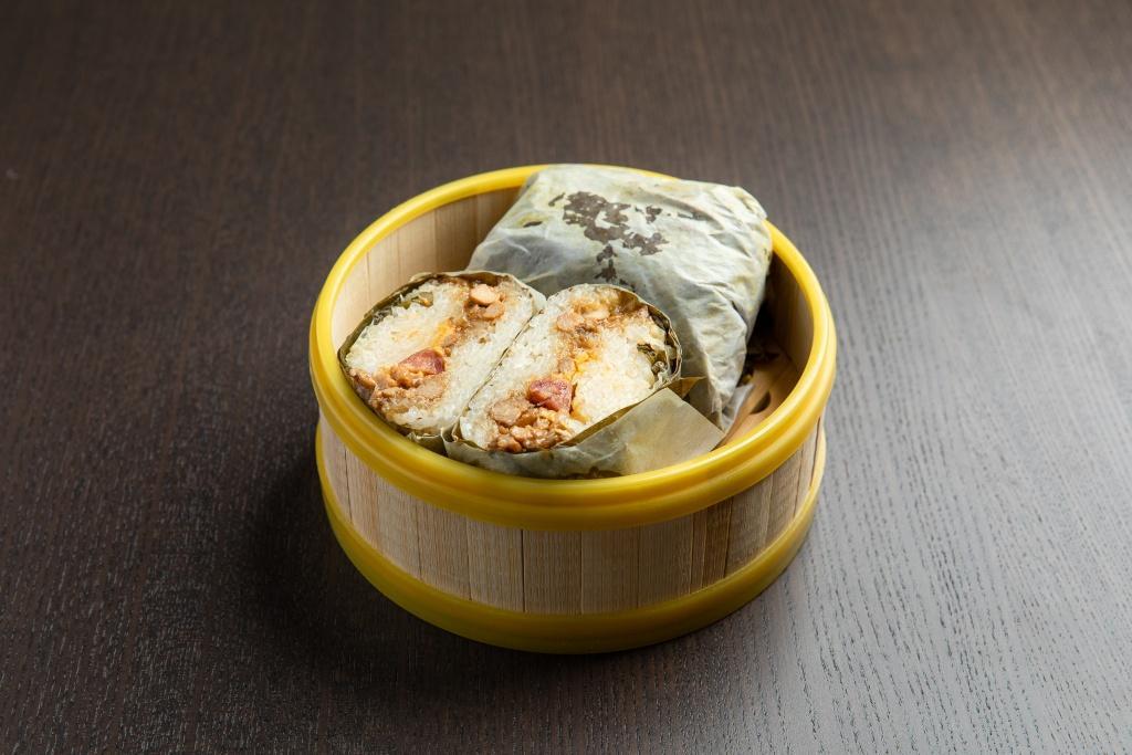 Lotus Leaf w/sticky rice 糯米鸡